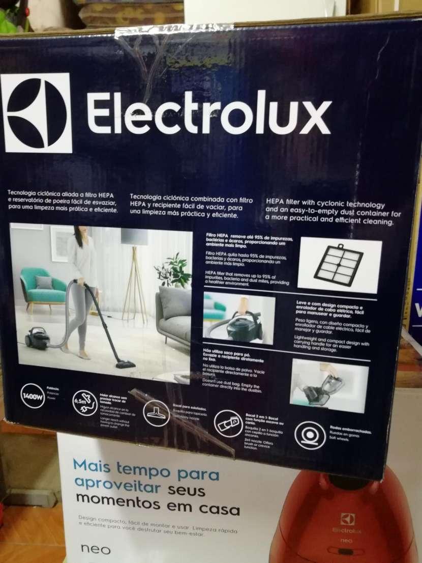 Aspiradora Electrolux 1400W - 2