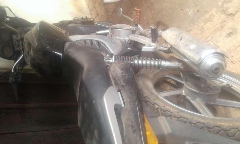 Moto 150 cc - 2