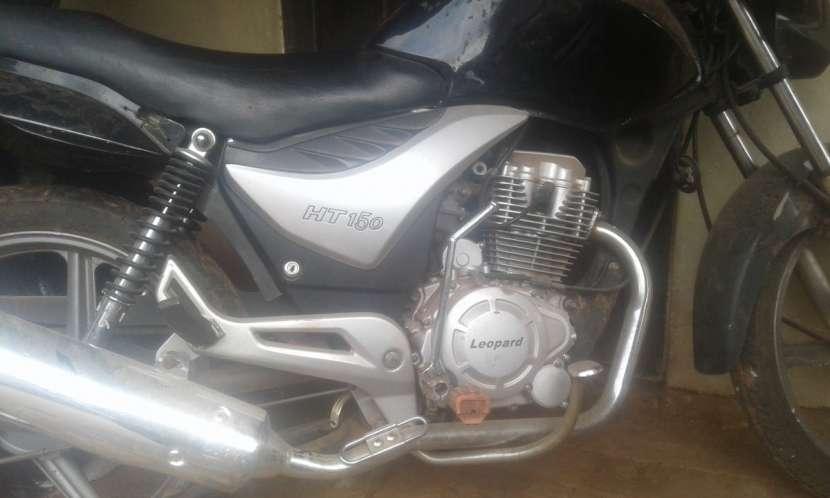 Moto 150 cc - 1