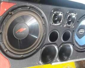 Caja de radio para auto