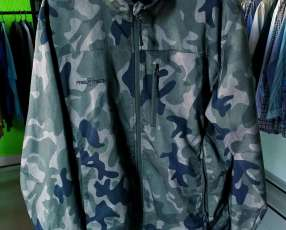 Campera camuflada Free Tech