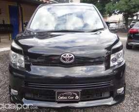 Toyota Voxy 2007 edición limitada