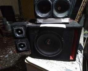 Equipo de audio para vehiculo con amplificador de 1000