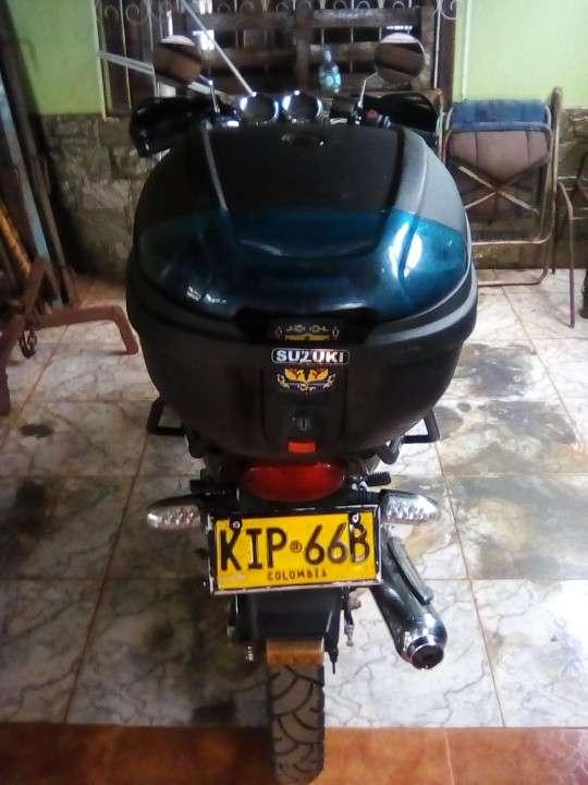 Suzuki GS 125 2008 - 2
