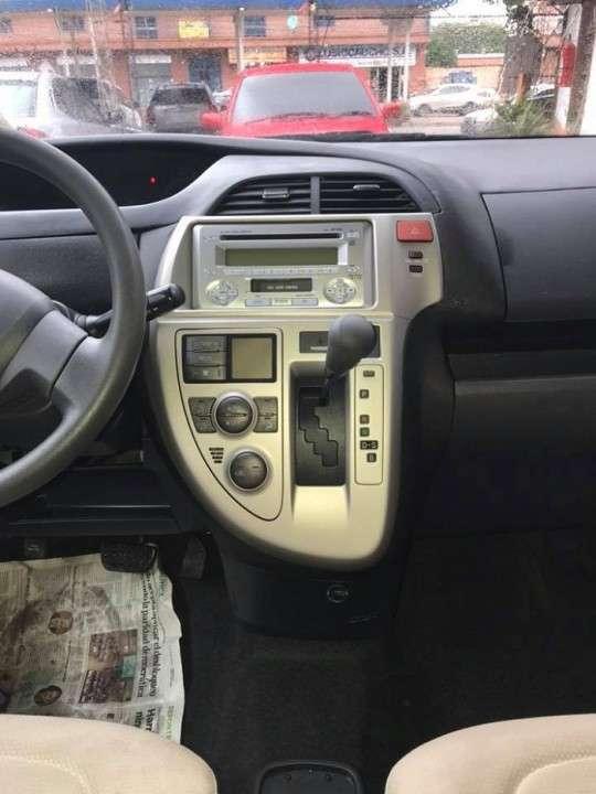 Toyota Ractis 2008 - 7