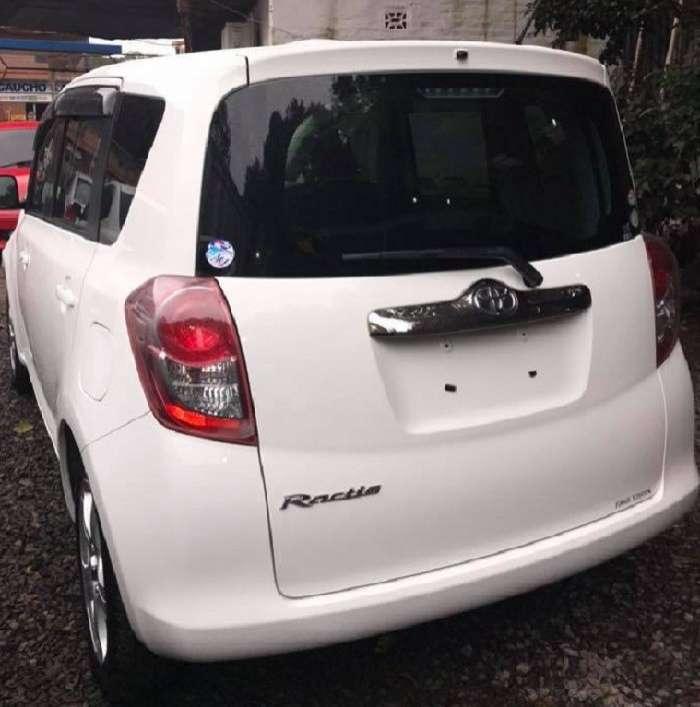 Toyota Ractis 2008 - 5