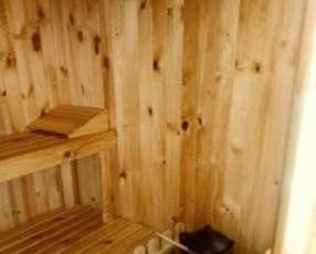 Sauna de madera desmontado