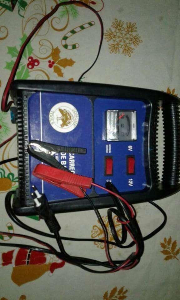 Cargador de bateria grande - 3