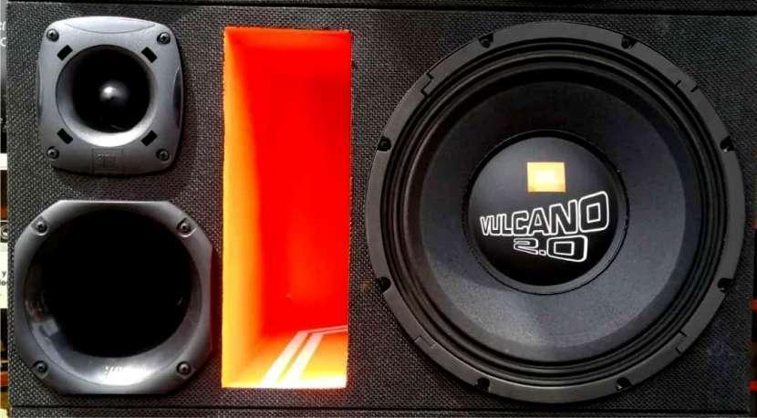 Caja trio JBL 2400W - 1