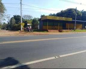 Casa con galpón sobre ruta 1 km 32