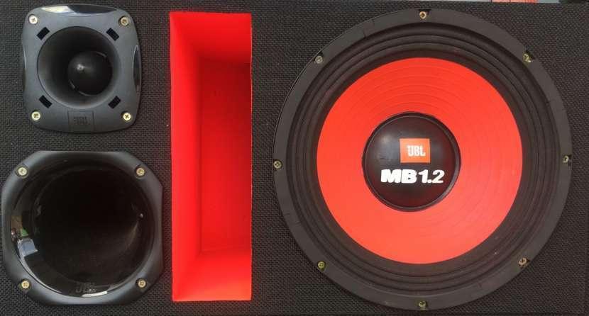 Caja trio JBL 1600W - 0