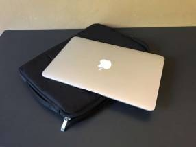 MacBook Air 11 Mojave