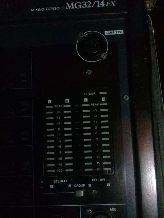 Yamaha de 32 canales doble efectos - 5