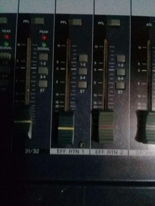 Yamaha de 32 canales doble efectos - 3