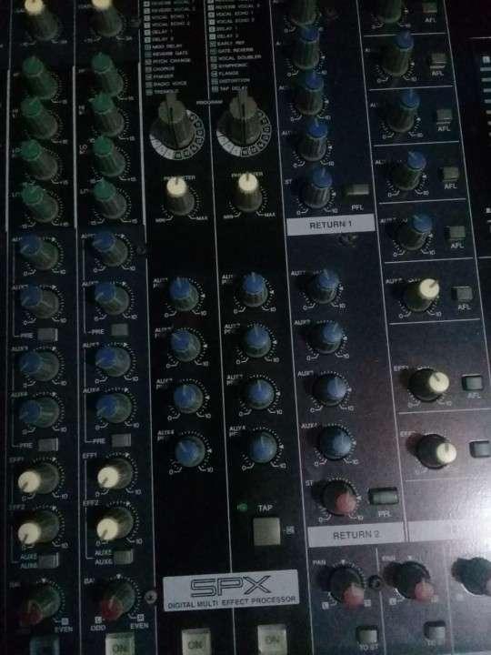 Yamaha de 32 canales doble efectos - 4