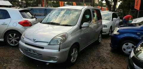 Toyota Funcargo 2001 - 1