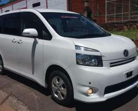 Toyota new voxy 2007 full equipo