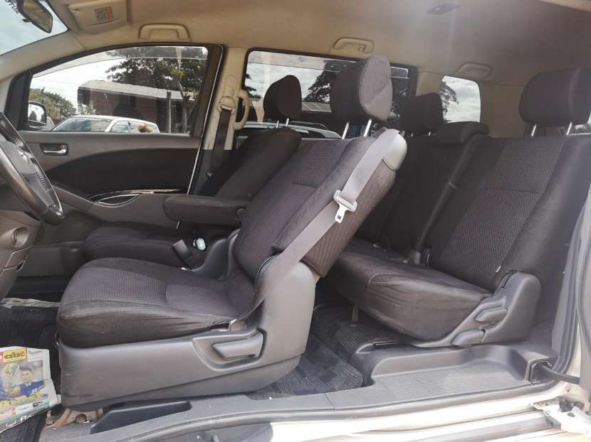 Toyota isis 2006 full equipo - 4