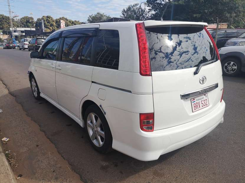 Toyota isis 2006 full equipo - 5