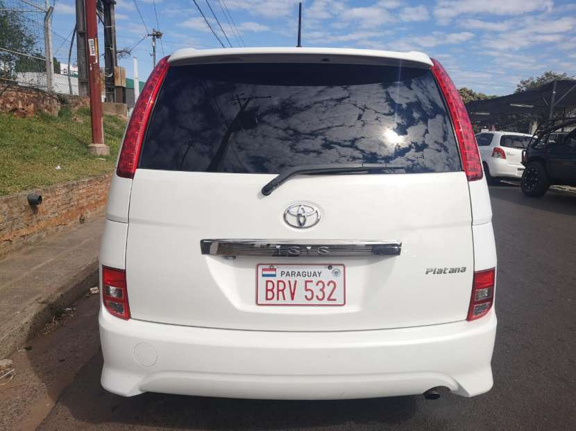 Toyota isis 2006 full equipo - 7