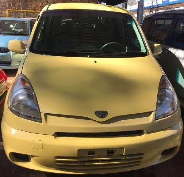 Toyota Funcargo 2001 - 3