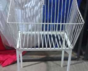 Canasta simple rectangular para ropas