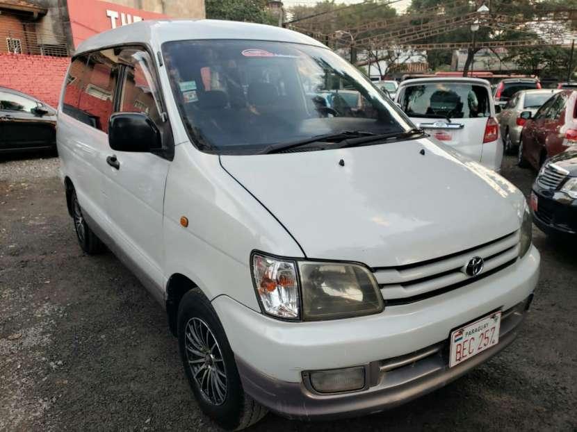 Toyota Noah 1998 - 1