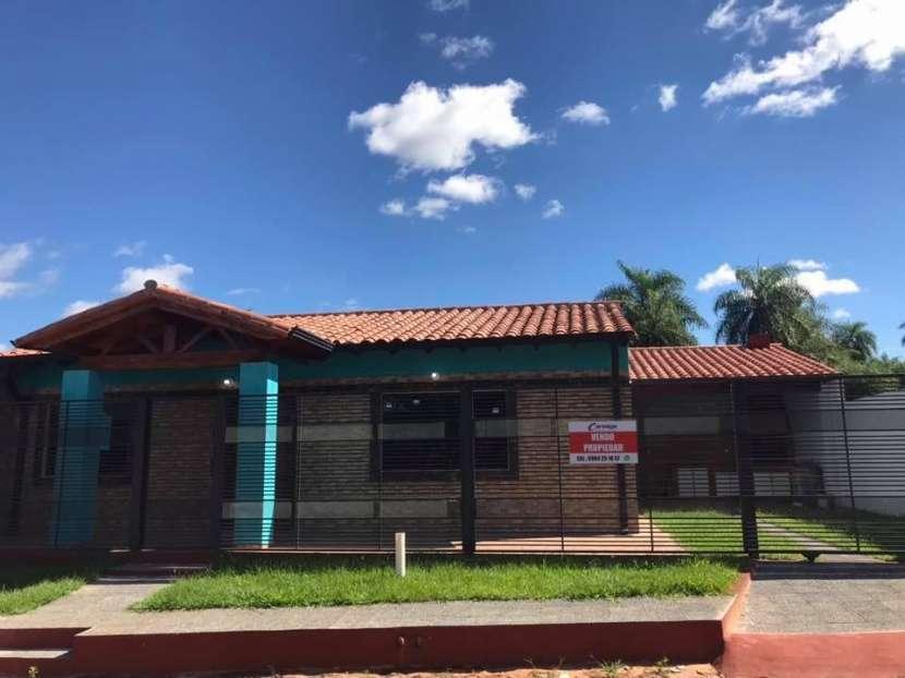 Casa a estrenar en Barrio San Carlos Ñemby - 0