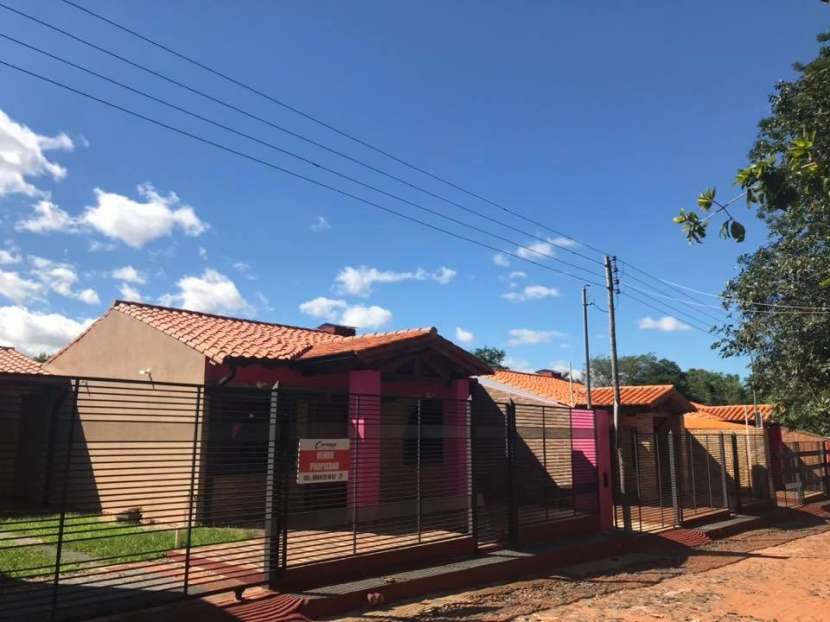 Casa a estrenar barrio Mbocayaty Ñemby - 0