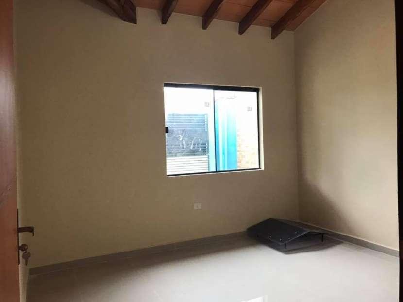 Casa a estrenar en Barrio San Carlos Ñemby - 3