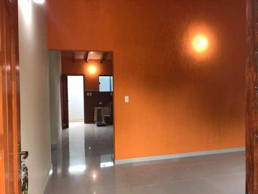 Casa a estrenar en Barrio San Carlos Ñemby - 1