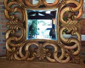 Espejos dorados