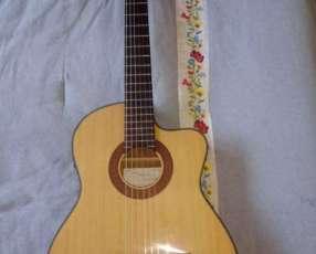 Guitarra electroacústica Aranjuez