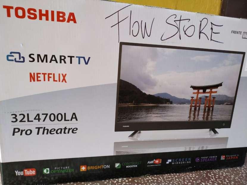 Smart TV Toshiba 32 pulgadas - 0