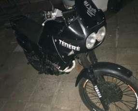 Moto Yamaha Tenere 600 cc