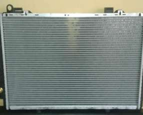 Radiador para Mercedez C250 turbo diésel