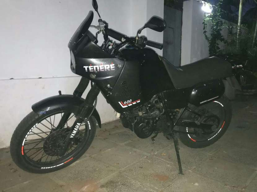 Moto Yamaha Tenere 600 cc - 1