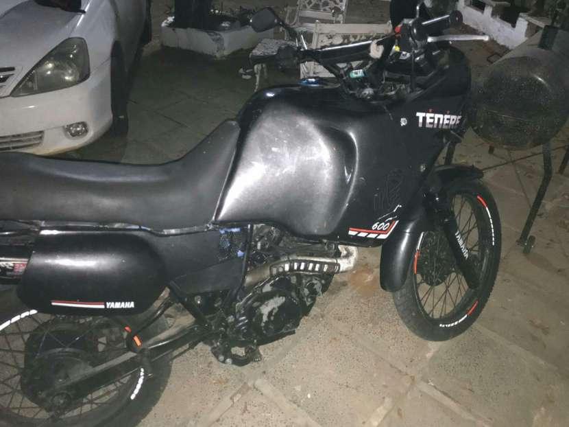 Moto Yamaha Tenere 600 cc - 2