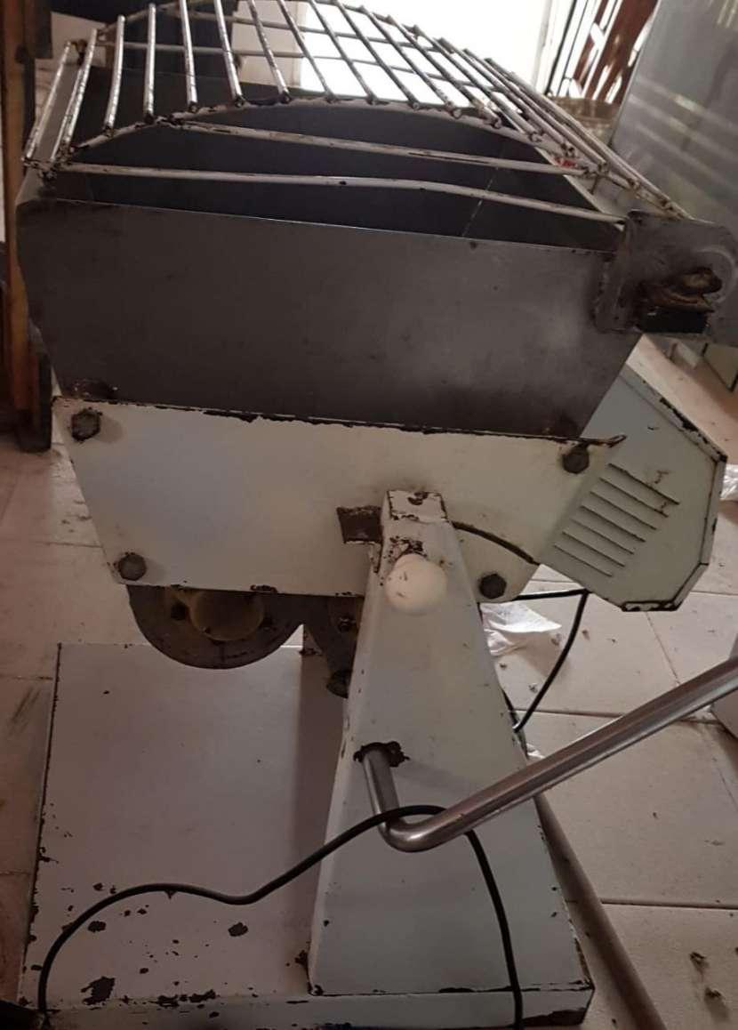Amasadora industrial de 25 kg - 0