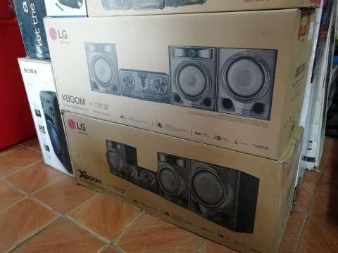 Equipo de sonido LG 8100W