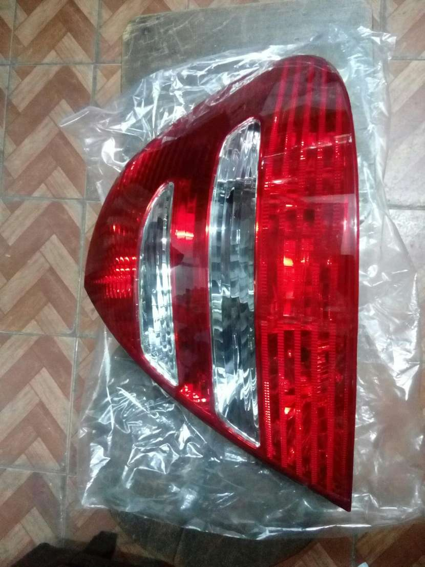 Fado trasero derecho Mercedez Benz 211 2002/05 - 0
