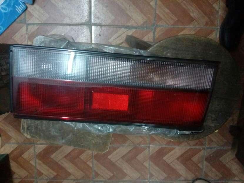 Faro trasero izquierdo Mazda 323 1985 - 0