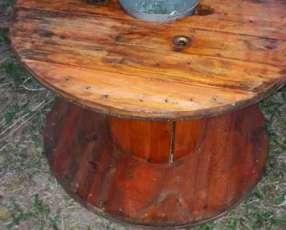 Mesa barnizadas