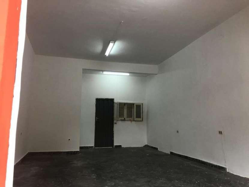 Departamento y salón comercial - 1