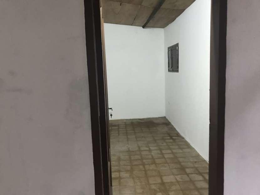 Departamento y salón comercial - 4