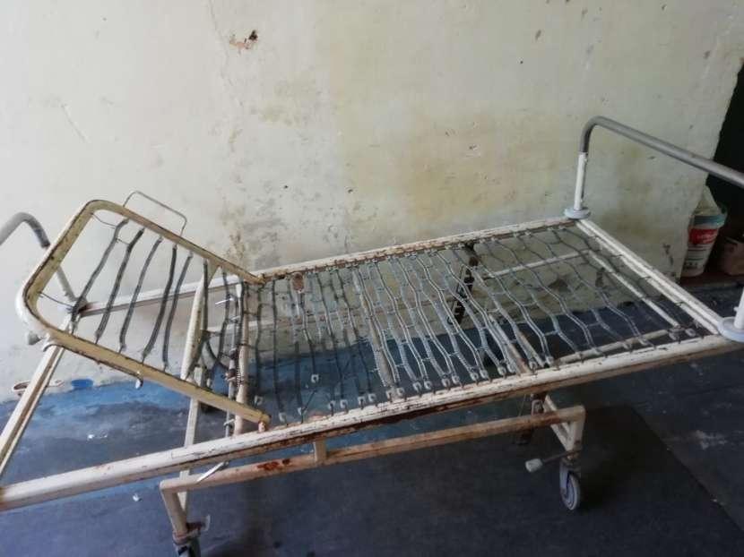 Cama para enfermeria - 1