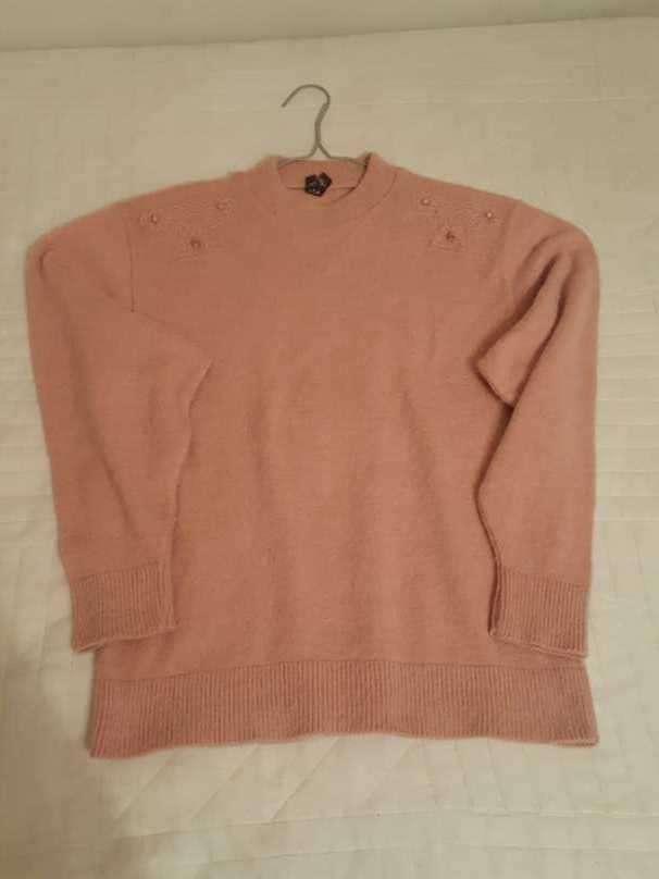 Suéter elegante con bordado - 0