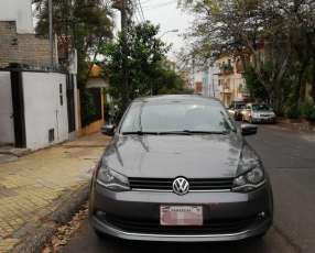 Volkswagen gol sedan highline 2014