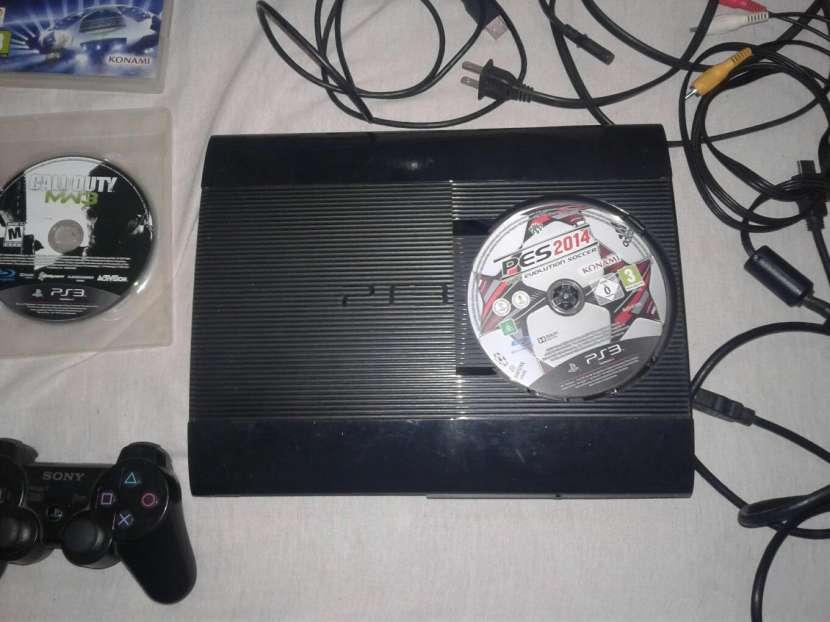 Playstation 3 de 500GB, con un control, mas 3 juegos.. - 2