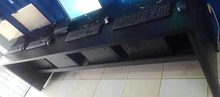 Mesada para escritorio - 0